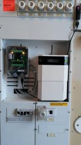 CleBox keskusyksikkö asennetaan sähkökeskukseen, johon se tarvitsee verkkovirran, sekä internetyhteyden.